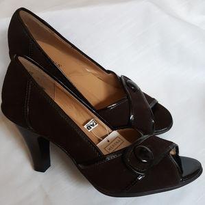 NEW dark brown Marin peep toe pumps Sz 6.5 NWT